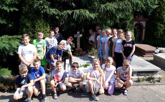 Wizyta na grobie Franciszka Mickiewicza