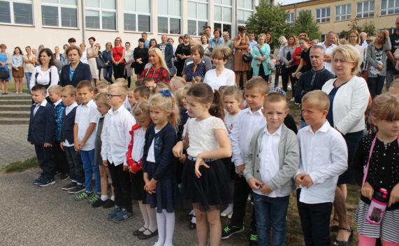 Inauguracja roku szkolnego w Zespole Szkolno – Przedszkolnym w Rożnowie