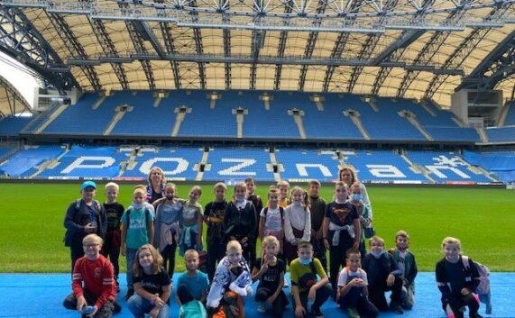 Wizyta klas trzecich na stadionie miejskim w Poznaniu